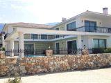 Girne Alsancak'Ta 4+2 Modern Villa Satılık